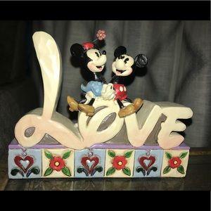 Disney Showcase Collection Love #4027140